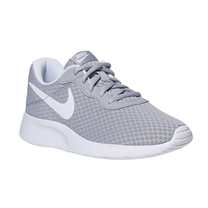Ladies  39  tennis shoes nike 403bff5a42
